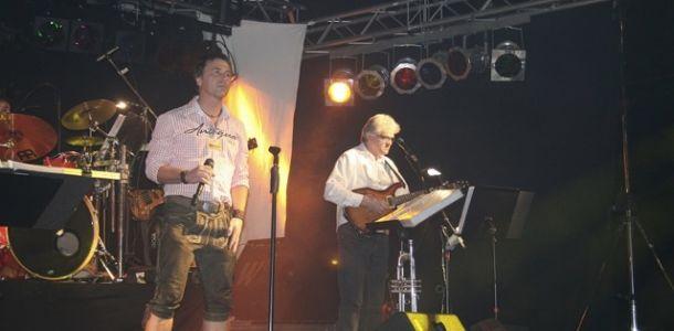 "Bierfest Alsfeld 2011 – Ausstattung Partyband ""Holidays"""